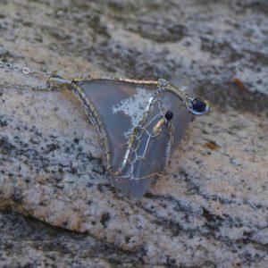 chalcedon modrý,slovenské naleziště chalcedonu,safír broušený, přívěsek na krk