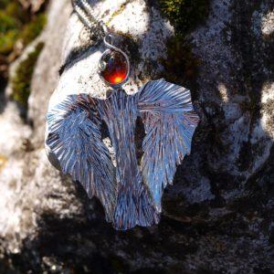 privesek, přívěsek, granaát, garnet, hessonit,steel, pendant, přívěsek , z , granátu, rudý kámen, červený kámen, šperk s červeným kamenem,vzpomínka, milenec, dávný zážitek