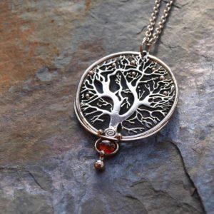 strom života, privesek, granat, hesonit, ocel